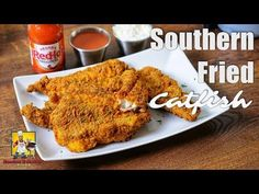 Southern Fried Catfish   #SoulFoodSunday   Fish Fry - YouTube Southern Catfish Recipe, Southern Fried Catfish, Seafood Dishes, Seafood Recipes, Cooking Recipes, Cooking Tools, Copycat Recipes, Fish Fry Party, Fried Catfish Recipes