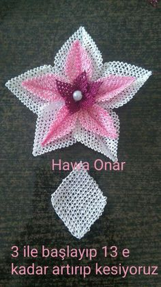 This Pin was discovered by Zer Filet Crochet, Knit Crochet, Crochet Hats, Flower Crafts, Diy Flowers, Tatting Patterns, Crochet Patterns, Hobbies And Crafts, Diy And Crafts