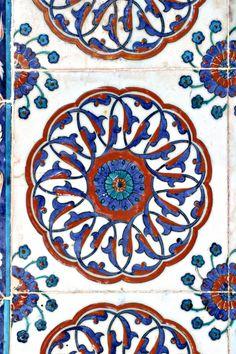 Turkish tile, Rustem Pasa Mosque by Ihsan Gercelman, via 500px
