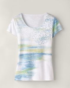 Nice..subtle print tee to wear with summer capris.