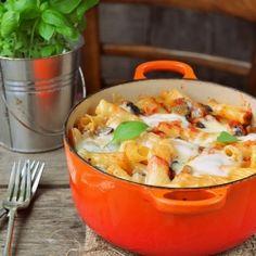 Aubergine and tomato pasta al forno [in Lithuanian]