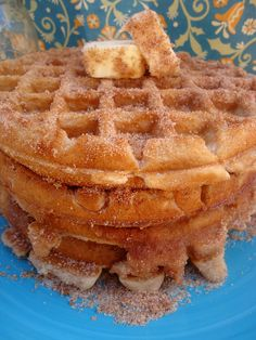 Jasmine of Chica Chocolatina has whipped up some Churro Waffles, cinnamon sugar-topped waffles reminiscent of delicious hot churros. via Foodiggity Köstliche Desserts, Delicious Desserts, Dessert Recipes, Yummy Food, Crepe Recipes, Churros, Churro Waffles, Pancakes, Cinnamon Waffles