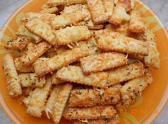 Sajtos rúd recept: A legfinomabb sajtos rúd,amit eddig ettem. Ez is még a nagymamámtól való recept. Nagyon omlós és ropogós. Titka a házi sertés zsír. Családi-baráti összejövetelek nélkülözhetetlen ropogtatni valója! http://aprosef.hu/sajtos_rud_recept