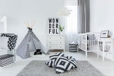 Black and white nursery decor black and white nursery with hints of Gold Nursery Decor, Modern Nursery Decor, Baby Nursery Themes, Nursery Room, Nursery Ideas, Room Ideas, Koala Nursery, Penguin Nursery, Horse Nursery