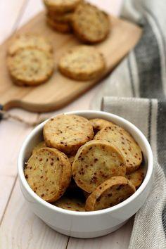 Biscuits apéritifs à la crème et oignon - Amandine Cooking