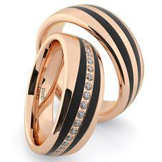 Už na prvý pohľad odhalíte výnimočnosť týchto svadobných obrúčok. Vďaka svojim vlastnostiam adizajnovým efektom tvoria dokonalý celok. Po celom obvode dámskeho prstienku je osadených až ? kvalitných kúskov drahokamov. Kombinácia ružového zlata, karbonu ažiarivých kameňov vás doslova pohltí. Vystúpte zdavu adarujte si práve tieto obrúčky. Laura Gold, Wedding Rings, Engagement Rings, Jewelry, Enagement Rings, Jewlery, Jewerly, Schmuck, Jewels
