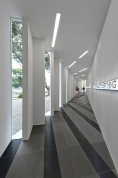 UOL Edge Gallery / Ministry of Design (8)