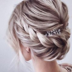 Beautiful wedding hairstyles for the elegant bride Updos for the . - Beautiful wedding hairstyles for the elegant bride Updo for the bride … – Hair and beauty - Romantic Hairstyles, Braided Hairstyles Updo, Wedding Hairstyles For Long Hair, Wedding Hair And Makeup, Braided Updo, Twisted Updo, Chignon Hairstyle, Gorgeous Hairstyles, Wedding Hair Blonde