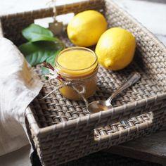 RECEPT   LEMON CURD   CITRÓNOVÝ KRÉM   Na skok v kuchyni Lemon Curd, Moscow Mule Mugs, Tart, Picnic, Food And Drink, Sweet, Tableware, Recipes, Puding