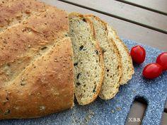 Xandra bakt brood: Zelf geurig olijven-oregano brood bakken.