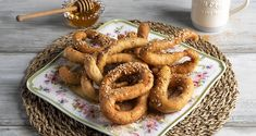 Greek fried dough strips – Lalagia by the Greek chef Akis Petretzikis. A quick and easy recipe for the most delicious and crunchy dough strips! Greek Recipes, Raw Food Recipes, My Recipes, Cooking Recipes, Greek Fries, Nutrition Chart, Dairy Free Diet, Processed Sugar, Food Categories