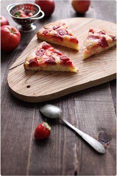 Mi-gâteau mi-tarte, ce dessert m'a été inspiré par la blogueuse de Two Tarts. La faim se faisait ressentir et j'avais tout ce qu'il fallait dans mon réfrig