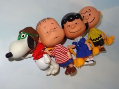 RARE Mattel 1968 Liddle Kiddle Peanuts Gang Skediddle Kiddles Set 4 w/Pushers #DollswithClothingAccessories