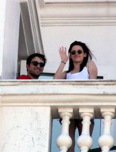 Robert Pattinson and Kristen Stewart cozy up in Brazil