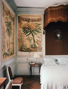When Flore de Brantes isn't running her influential Brussels gallery, she and her family unwind at her ancestral château in France's Val de Loire Architectural Digest, Neoclassical Interior Design, Decor Inspiration, Secret Rooms, French Chateau, Big Houses, Architecture, Decoration, Family Room