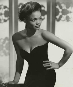 The ever glamorous Eartha in the 1950s.