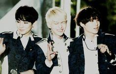 SHINee family Key Umma, Onew Appa and one son Taemin ;)