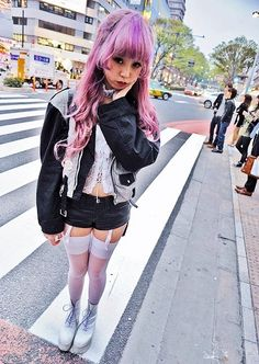 Street style inspiration four. Japanese street fashion in Harajuku, Tokyo (Valentine, Music Legs, Tokyo Bopper, Coach) Tokyo Street Fashion, Tokyo Street Style, Japanese Street Fashion, Japan Fashion, Korean Fashion, Japan Street, Grunge Style, Soft Grunge, Pastel Goth Fashion