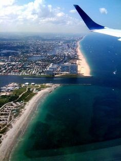 I see this constantly <3 I love to fly with my daddy and I love my sunshine capital <2