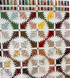 Closer view of pineapple quilt blocks with narrow sashing Pineapple Quilt Pattern, Pineapple Quilt Block, Quilting Projects, Quilting Designs, Quilting Ideas, Log Cabin Quilts, Log Cabins, Quilt Border, Quilt Labels
