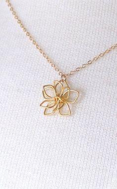 Cute pendant :) Delicate Gold Flower Necklace Simple Flower