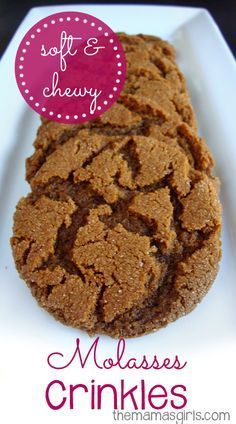 & Chewy Molasses Crinkles Soft & Chewy Molasses Crinkles are one of our favorite cookies! These are so moist!Soft & Chewy Molasses Crinkles are one of our favorite cookies! These are so moist! Ginger Molasses Cookies, Ginger Snap Cookies, Molasses Recipes, Molasses Cookie Recipe, Ginger Snaps Recipe, Köstliche Desserts, Delicious Desserts, Dessert Recipes, Candy
