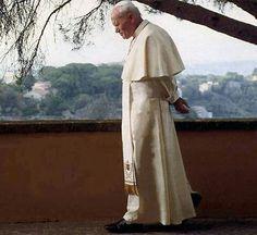 Pope in deep reflection at the Vatican Saint Jean Paul Ii, Pope John Paul Ii, Saint John, Paul 2, Catholic Priest, Catholic Saints, Roman Catholic, Papa Juan Pablo Ii, Saint Teresa Of Calcutta