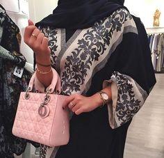 Arab Swag | Nuriyah O. Martinez | abaya afbeelding