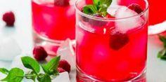 Cocktail alcoolisé au rhum, passion et framboises