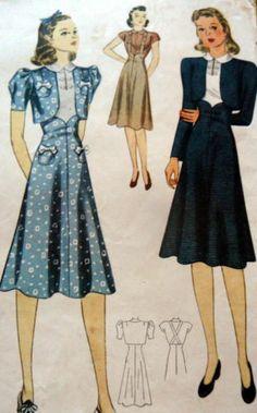 robe avec sa micro veste, une caractéristique du style de l'époque