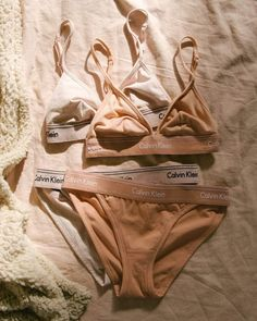 Image about girl in - Calvin Klein - by InParadise Lingerie Bonita, Jolie Lingerie, Lingerie Outfits, Pretty Lingerie, Women Lingerie, Ropa Interior Vintage, Ropa Interior Calvin, Bra And Underwear Sets, Cute Underwear