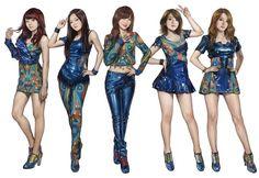 korea girl group 'KARA' portrait. 2012. painter10