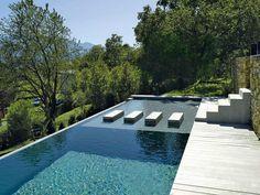 couloir de nage, carré bleu, guy depollier, couloir de nage avec bassin en béton