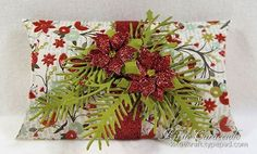 KC Lawn Fawn Pillow Box 1  Poinsettia