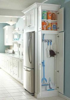 Small Kitchen Makeover Gorgeous Small Kitchen Remodel Ideas 06 - Remodeling your small kitchen shouldn't be a difficult task. When you put your small kitchen remodeling idea on paper, just […] Kitchen Ikea, Kitchen And Bath, Kitchen Small, Hidden Kitchen, Smart Kitchen, Kitchen Cleaning, Awesome Kitchen, Narrow Kitchen, Cleaning Closet