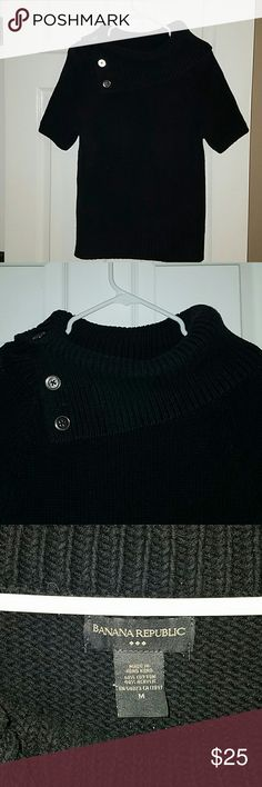 Banana Republic short sleeve sweater Turtle neck with gold buttons. Banana Republic Sweaters Cowl & Turtlenecks