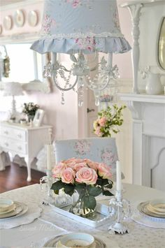 Visit the webpage to see more about Shabby chic spaces Shabby Look, Vintage Shabby Chic, Shabby Chic Decor, Shabby Cottage, Cottage Style, Romantic Table, Cool Lighting, Lighting Ideas, French Country Decorating
