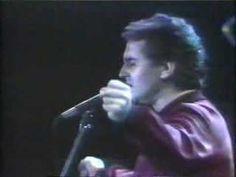 """50 años no es nada: """"Asturias"""" (1986). Más información en el área multimedia de la página web de los conciertos http://www.victormanuel50noesnada.com/concierto-san-mateo-oviedo/multimedia_180.php"""