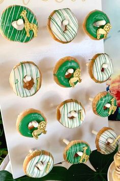 Take a look at this incredible Lion King birthday party! The safari donuts a… Lion Birthday Party, Safari Theme Birthday, Lion King Birthday, Animal Birthday, 1st Boy Birthday, Boy Birthday Parties, Birthday Ideas, Donut Party, Party Animals