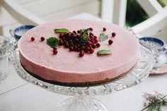 Sugar and gluten free froyo cake! Cheesecake, Strawberry, Gluten Free, Vegetarian, Sugar, Desserts, Inspiration, Food, Glutenfree
