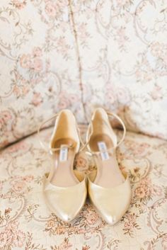 Gold shoes: http://www.stylemepretty.com/connecticut-weddings/farmington/2015/05/26/romantic-colonial-inspired-connecticut-wedding/ | Photography: Ashley Caroline - http://www.ashley-caroline.com/
