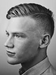 Taglia di capelli corti uomo