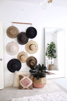 DIY Hanging Hat Organizer is part of Hat Organization DIY - Instead of piling my hat collection make this super easy DIY hat rack, hat Wall Display, hat rack, Hat Organizer for your wall, no hat hooks Diy Hat Hooks, Diy Hat Rack, Hat Hanger, Diy Purse Hook, Hanging Hats, Diy Hanging, Hanging Organizer, Hanging Closet, Home Design