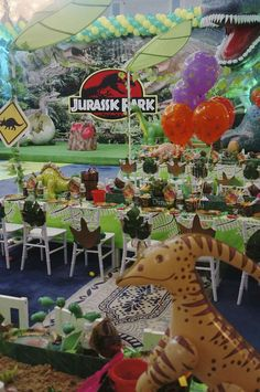 Dinosaurs Birthday Party Ideas | Photo 8 of 90