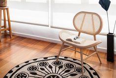 Cozy reading corner with Rangoli rug in Barcelona's eixample apartment