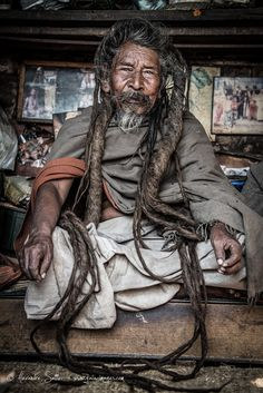 Sadhus du Népal Nepal Travel Honeymoon Backpack Backpacking Vacation South Asia Budget Off the Beaten Path Trekking Bucket List Photo Choc, Mother India, Game Character Design, World Pictures, Yoga Art, Human Emotions, World Of Color, People Of The World, Interesting Faces