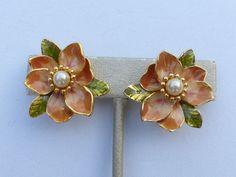 Joan Rivers flower clip on earrings gold tone enamel and faux pearl Y69 #JoanRivers