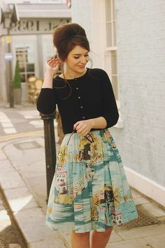 This is actually so cute and classy style! - Boden Dress Fifties Fashion Pastel Outfit / by What Olivia Did Pastel Outfit, Moda Vintage, Vintage Mode, Vintage Style, Estilo Pin Up, Look Retro, Modern Retro, Retro Mode, Looks Vintage