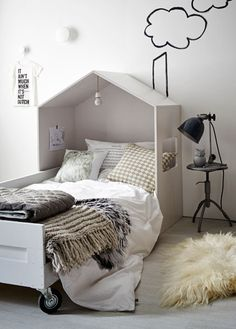 Cute house bed