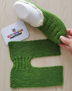 Applique Burlap Clothes Embroidery and Stitching Fabric Painting Felt Knitting and Crochet Lace Making Needle Felting Quilting Sewing Yarn Ribbon and Thread Baby Booties Knitting Pattern, Baby Knitting Patterns, Loom Knitting, Knitting Socks, Knitting Designs, Free Knitting, Crochet Ideas, Love Crochet, Crochet Slippers